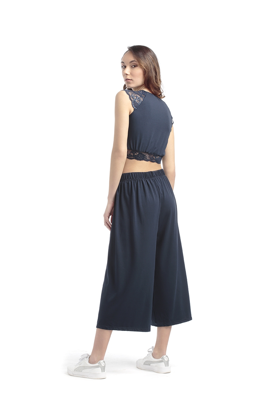 ART. P01 Pantalone palazzo con elastico alto ribattuto in vita