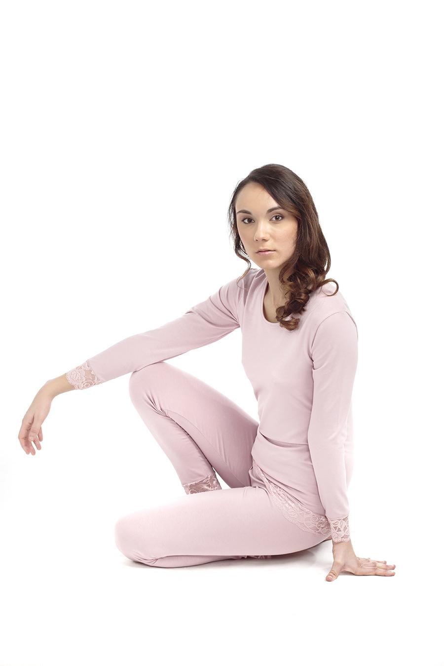 ART. PG06 Pigiama donna con maglia maniche lunghe con rifiniture in pizzo e pantaloni lunghi con rifiniture in pizzo